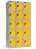 Omklædningsskabe med 5 låger. Omklædningsskabe dimension: bredde = 305mm, dybde = 380mm, højde = 1780mm. 3 sammenbyggede omklædningsskabe . Total bredde =  915 mm
