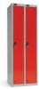 Omklædningsskabe med 1 låge. Omklædningsskabe dimension: bredde = 305mm, dybde = 460mm, højde = 1780mm. 2 sammenbyggede omklædningsskabe . Total bredde =  610 mm
