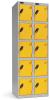 Omklædningsskabe med 5 låger. Omklædningsskabe dimension: bredde = 305mm, dybde = 305mm, højde = 1780mm. 2 sammenbyggede omklædningsskabe . Total bredde =  610 mm